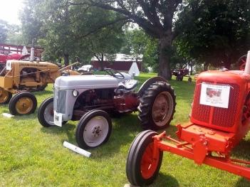 Cedar Lake Farm Tractor Show 072014 (4)