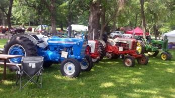 Cedar Lake Farm Tractor Show 072014 (7)